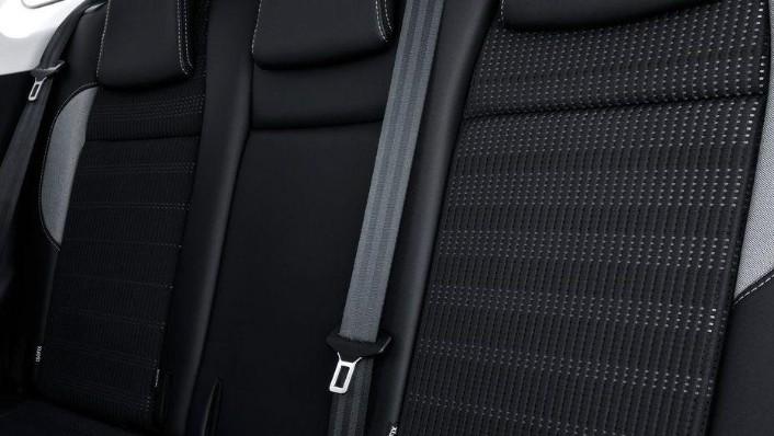 Peugeot 2008 (2018) Interior 008