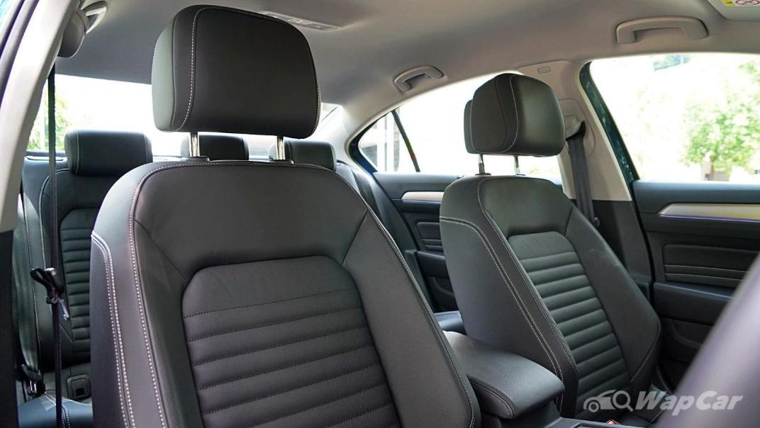 2020 Volkswagen Passat 2.0TSI Elegance Interior 014