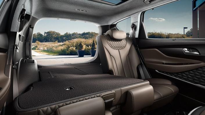 Hyundai Santa Fe (2019) Interior 009