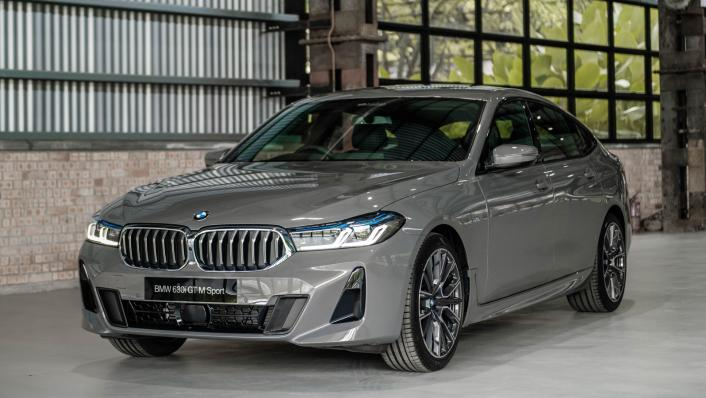 2021 BMW 6 Series GT 630i M Sport Exterior 004