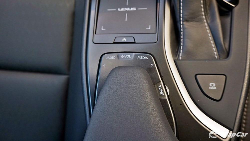 2020 Lexus UX 200 Urban Interior 025