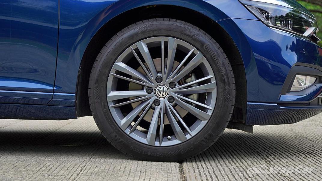 2020 Volkswagen Passat 2.0TSI Elegance Exterior 031