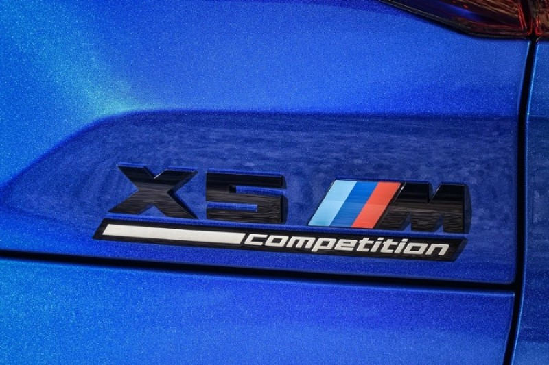 BMW X5 M Competition badge