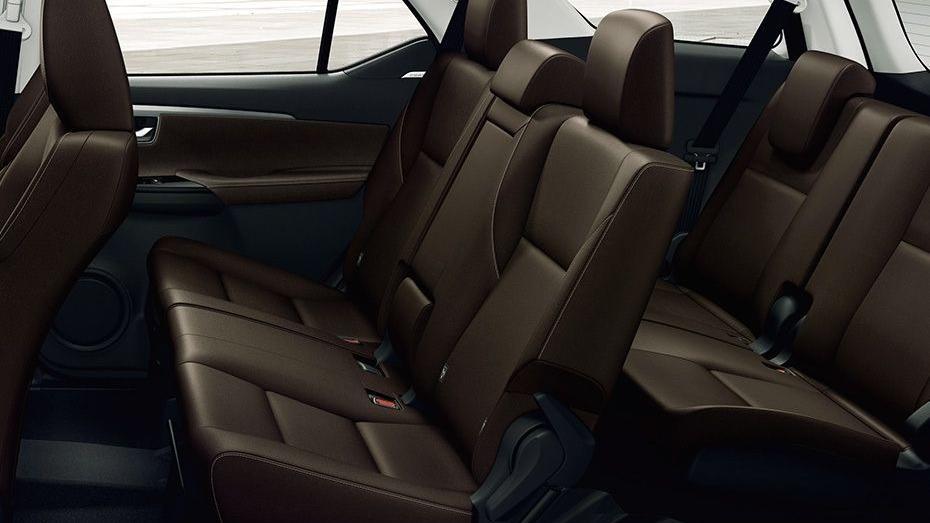 Toyota Fortuner (2018) Interior 013