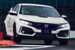 Honda Civic FK8 vs FD2 Type R. Is newer always better?