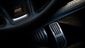 Jaguar XE (2017) Exterior 010