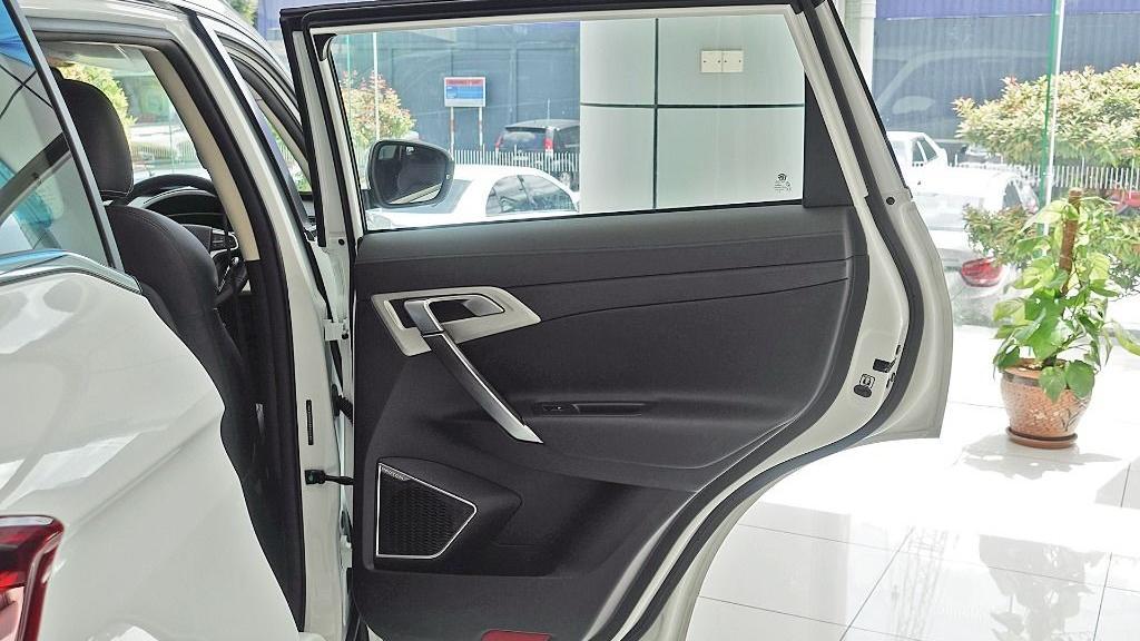 2018 Proton X70 1.8 TGDI Executive AWD Interior 063