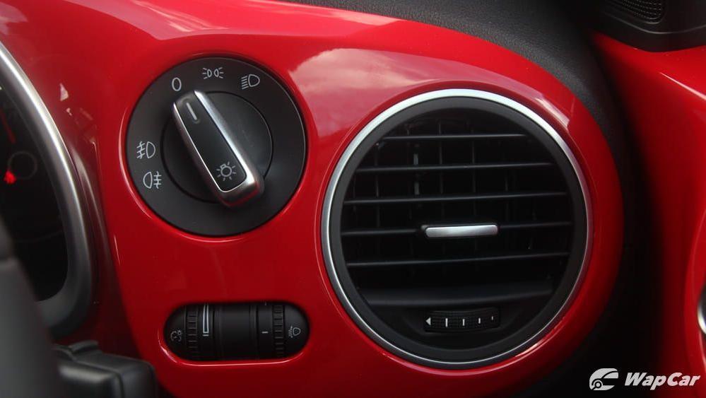 2018 Volkswagen Beetle 1.2 TSI Sport Interior 015