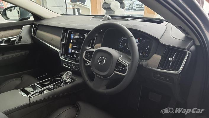 2021 Volvo S90 Recharge T8 Inscription Plus Interior 001