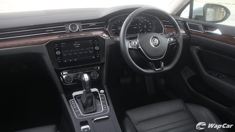 2018 Volkswagen Passat 2.0 TSI Highline Interior 003