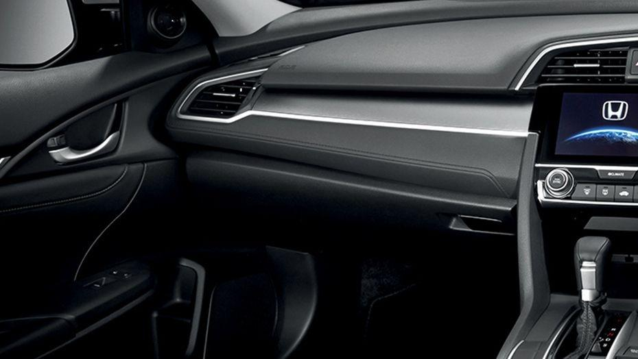 Honda Civic (2018) Interior 007