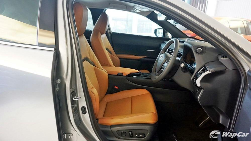 2020 Lexus UX 200 Luxury Interior 036