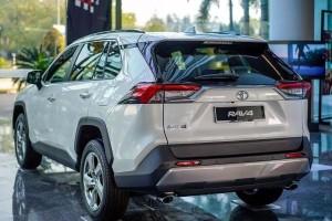 Deal breakers: 2020 Toyota RAV4, worth RM 40k more than the Honda CR-V?