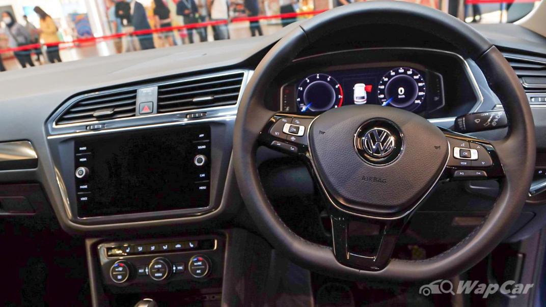 2020 Volkswagen Tiguan Allspace 2.0TSI R-Line Interior 004