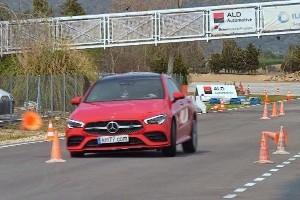 Mercedes-Benz CLA handles worse than a Kia Picanto?