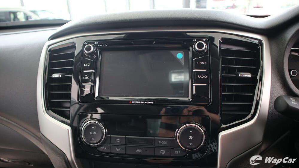 2019 Mitsubishi Triton VGT Adventure X Interior 013