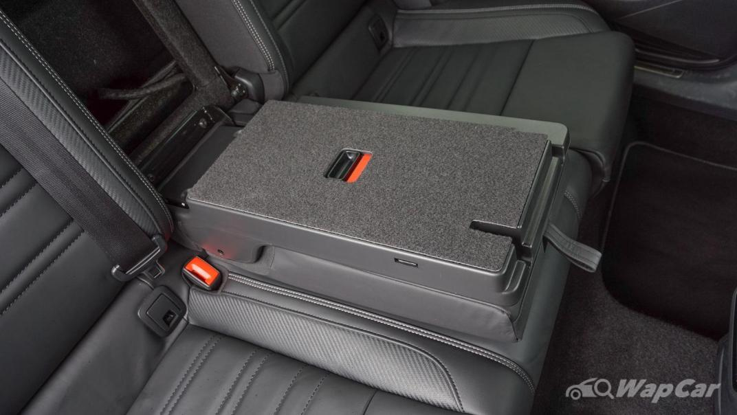 2020 Volkswagen Passat 2.0TSI R-Line Interior 019