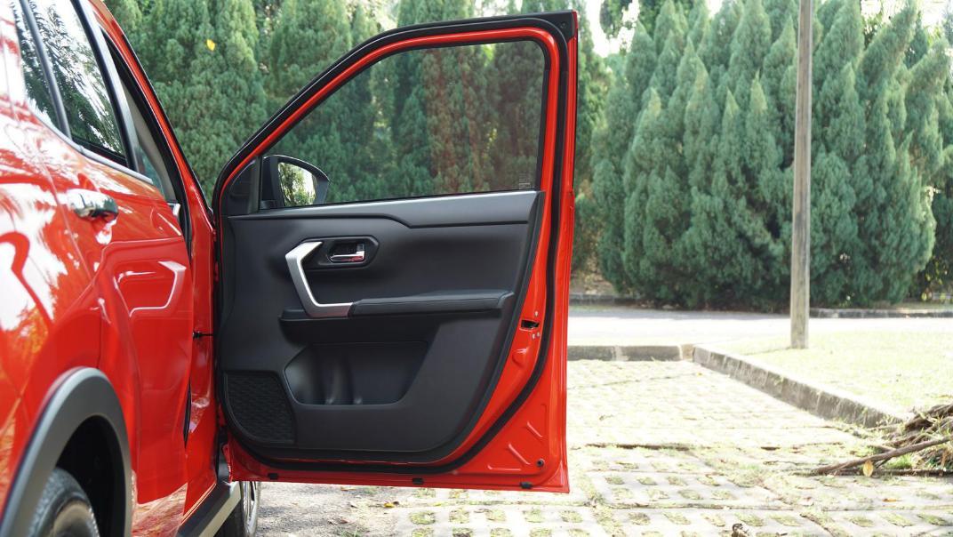 2021 Perodua Ativa 1.0L Turbo AV Special Metallic Interior 056