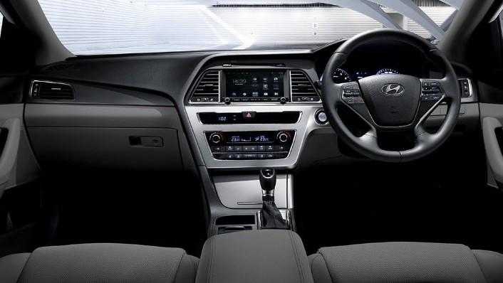 Hyundai Sonata (2017) Interior 001