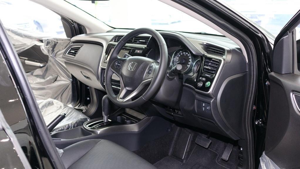 2018 Honda City 1.5 V Interior 002
