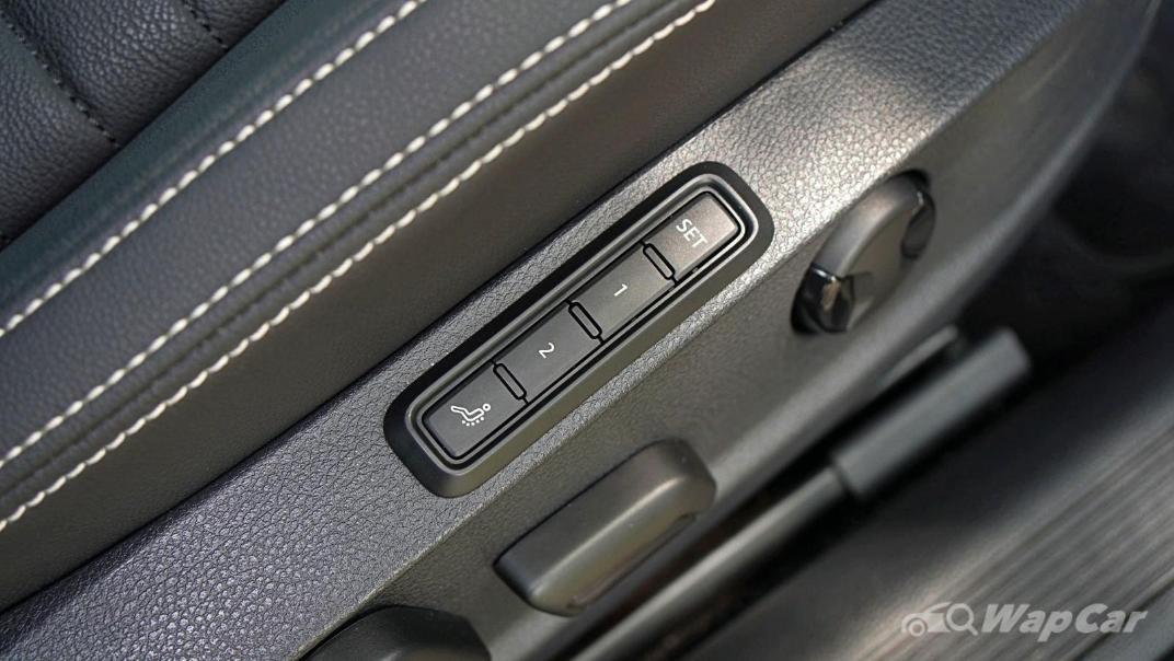 2020 Volkswagen Passat 2.0TSI Elegance Interior 038