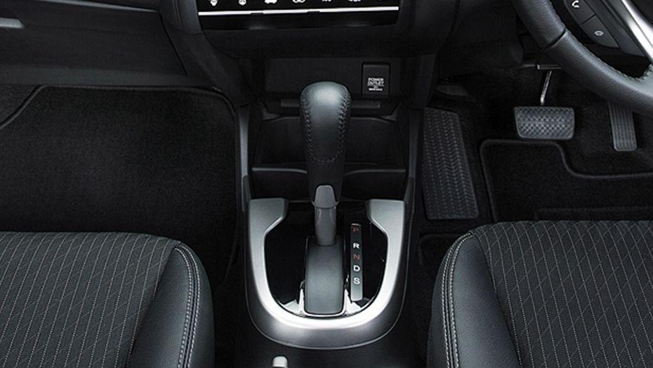 Honda Jazz (2018) Interior 009