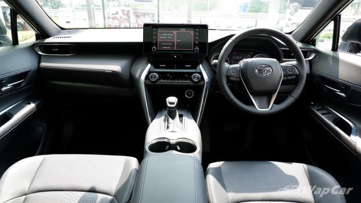 2021 Toyota Harrier 2.0 Luxury Interior 001