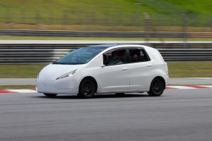 Mykar - prototaip kereta elektrik Malaysia, jarak perjalanan 150 km, harga bawah RM 50k?