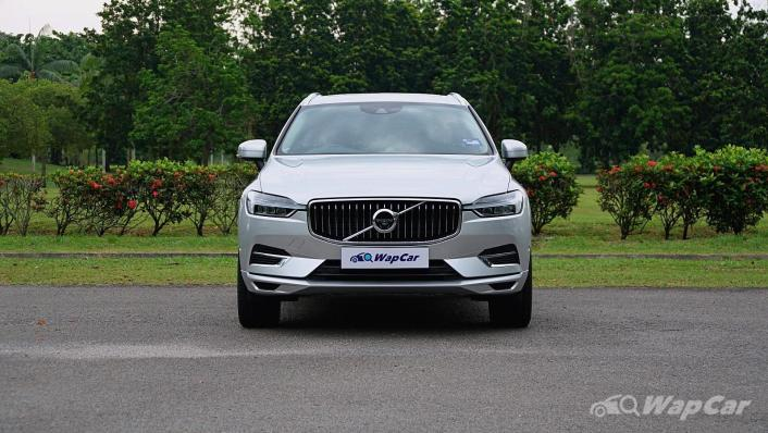 2020 Volvo XC60 T8 Twin Engine Inscription Plus Exterior 002