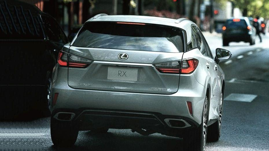 Lexus RX (2018) Exterior 005