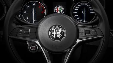 Alfa Romeo Giulia (2019) Interior 026