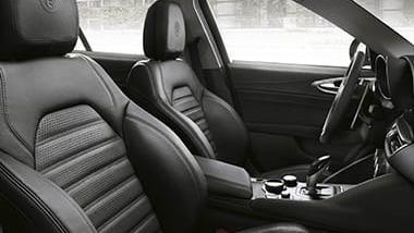 Alfa Romeo Giulia (2019) Interior 039