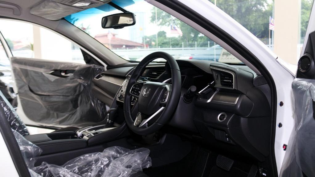 2018 Honda Civic 1.5TC Premium Interior 015