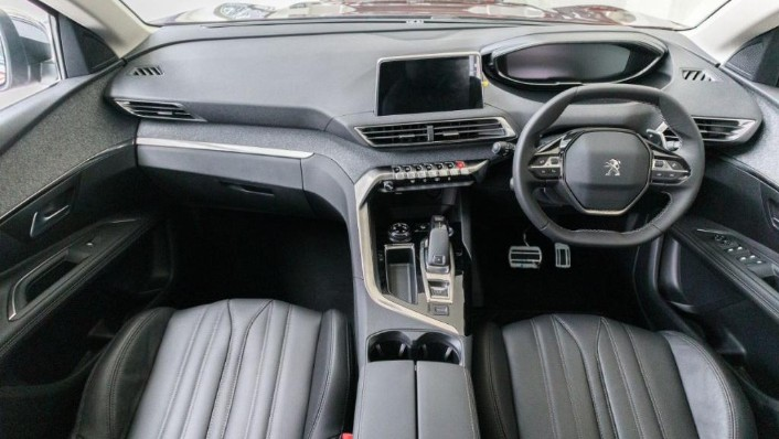 2019 Peugeot 3008 THP Plus Allure Interior 001
