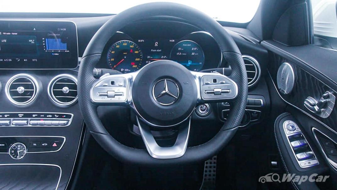 2018 Mercedes-Benz C-Class C 300 AMG Line Interior 005