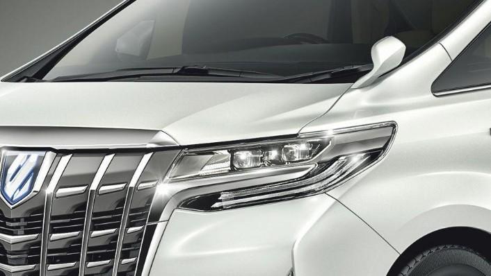Toyota Alphard (2018) Exterior 005