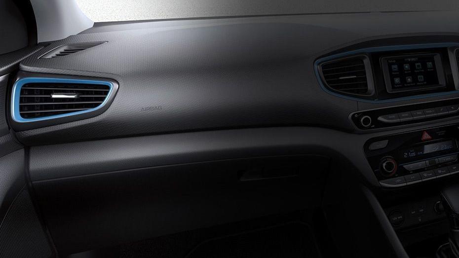 Hyundai Ioniq (2018) Interior 009