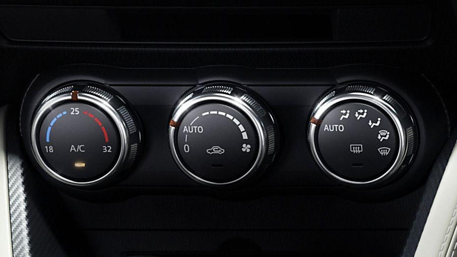 Mazda 2 Sedan (2018) Interior 004