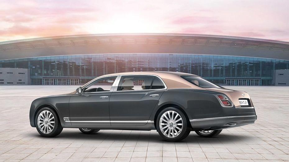 Bentley Mulsanne (2017) Exterior 004
