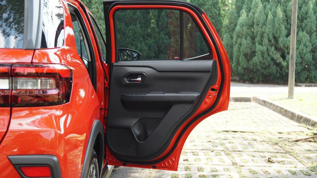2021 Perodua Ativa 1.0L Turbo AV Special Metallic Interior 063