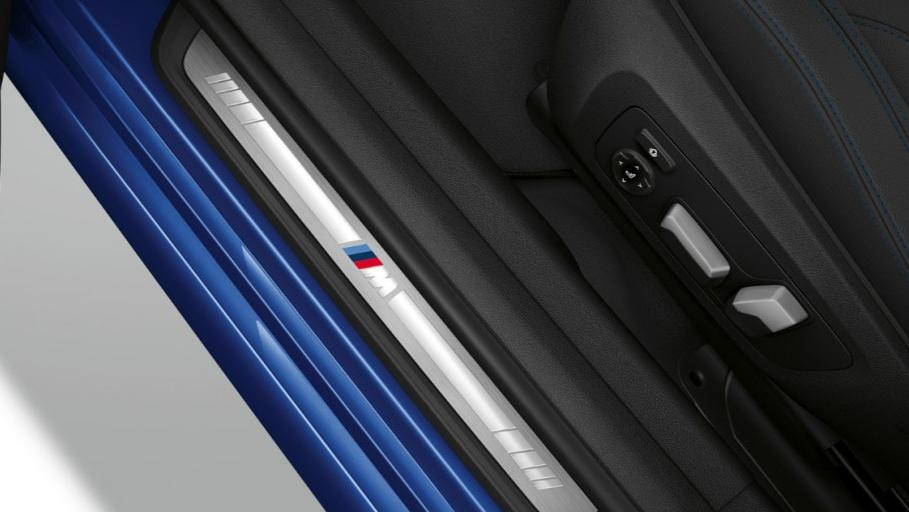 BMW 3 Series (2019) Interior 004