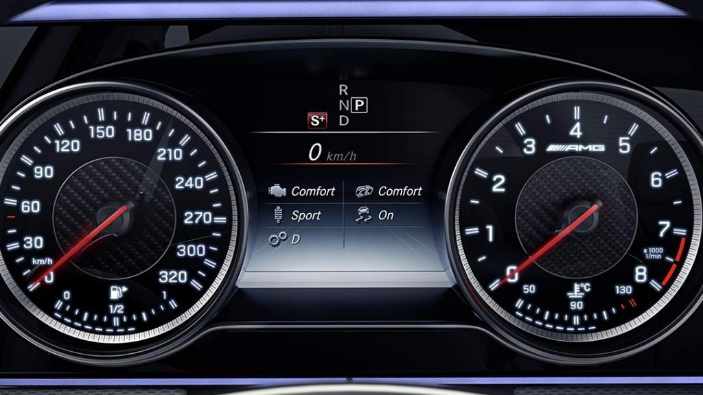 Mercedes-Benz AMG E-Class (2019) Interior 002