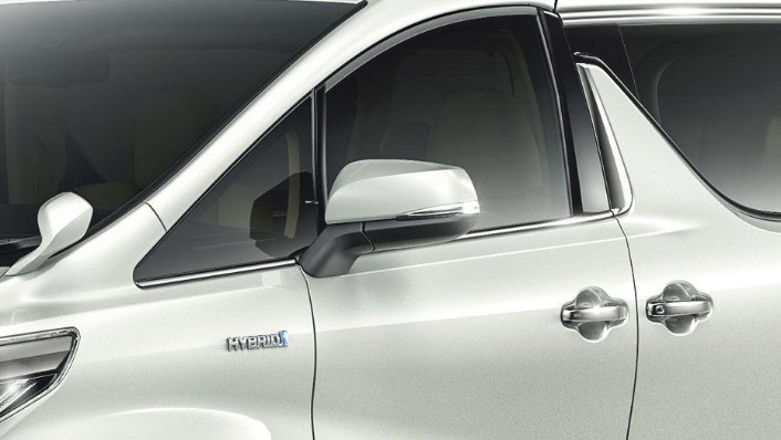 Toyota Alphard (2018) Exterior 007