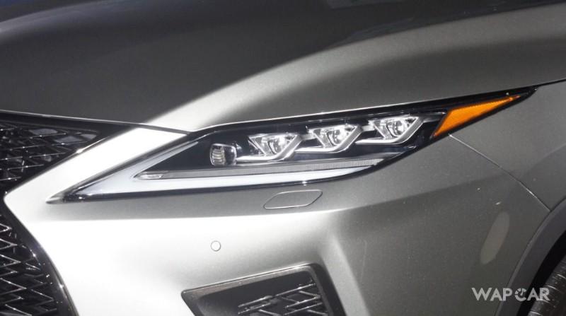 2019 Lexus RX headlights