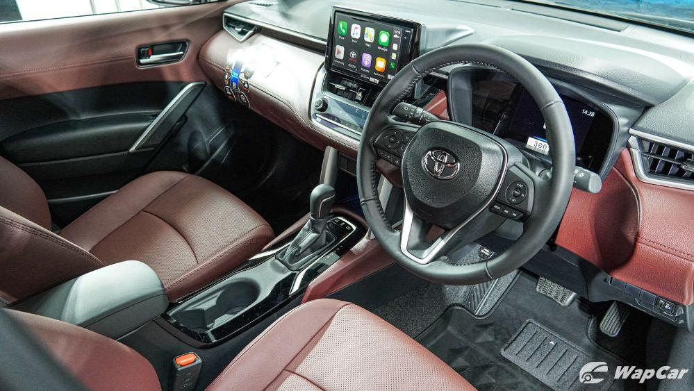 2020 Toyota Corolla Cross Interior 004