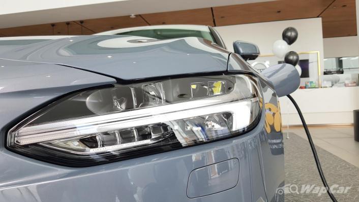 2021 Volvo S90 Recharge T8 Inscription Plus Exterior 005