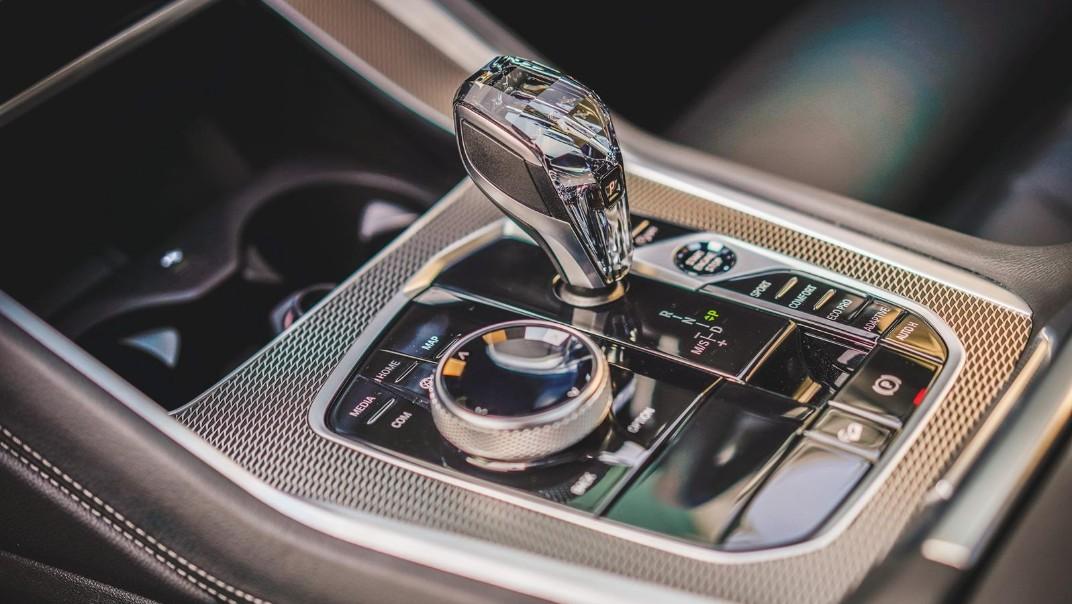 2020 BMW X6 xDrive40i M Sport Interior 008