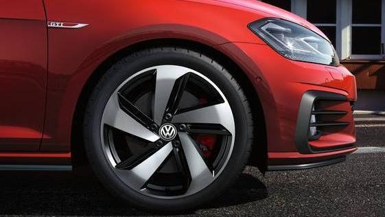 Volkswagen Golf GTI (2019) Exterior 006