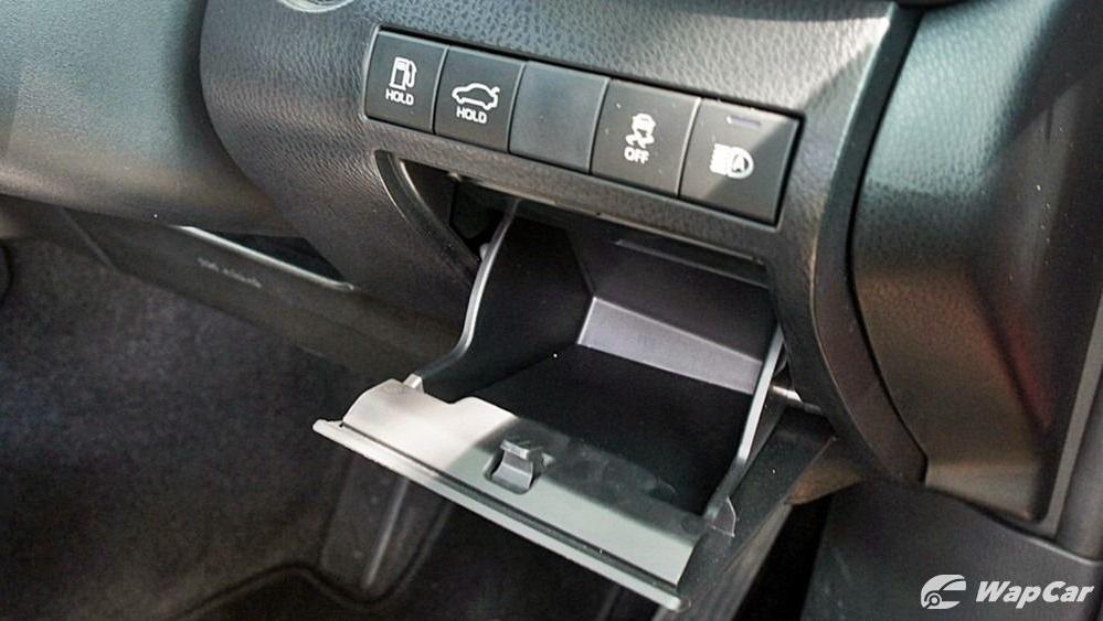2019 Toyota Camry 2.5V Interior 136