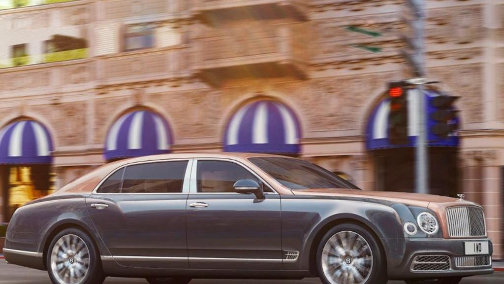 Bentley Mulsanne (2017) Exterior 001
